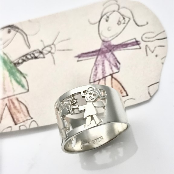 Adorable drawings on family ring designed by your own kids for Mother's day