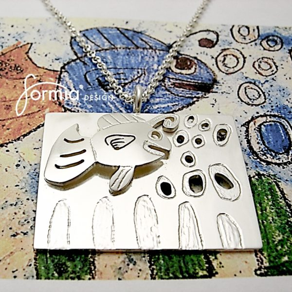 double layer pendant fish bubbles and sea weed perfect for detailed artwork to enhance special details in a pendant
