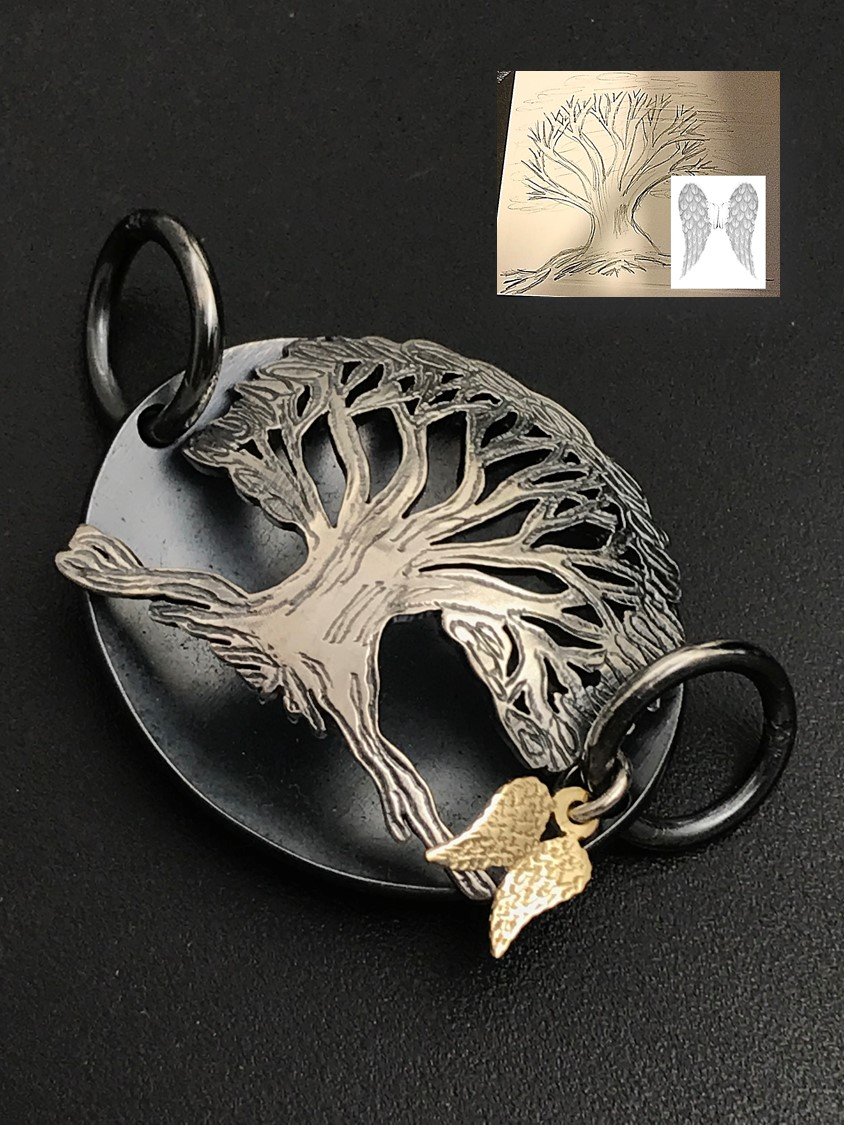 Magnificent bracelet pendant tree and wings