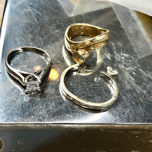 Jewelers repair hours at Formia Design with Goldsmith Mia van Beek