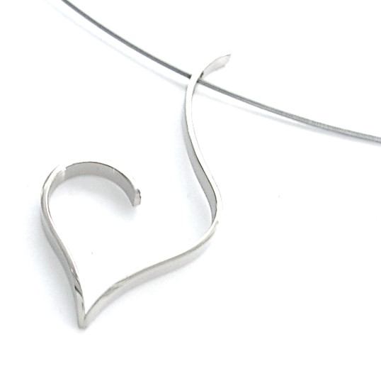 Open heart pendant in sterling silver for your Valentine