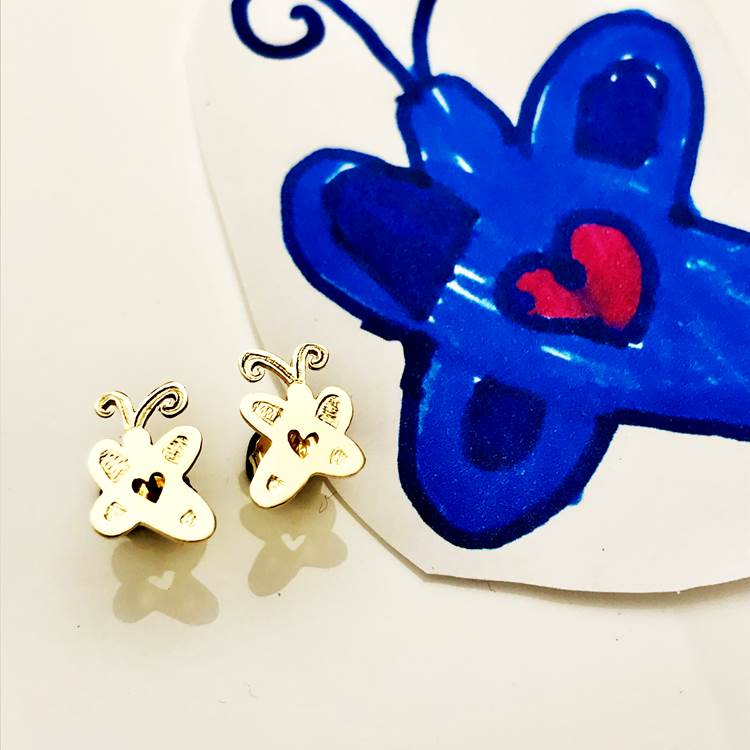 Mothers Day Gift ideas in gold stud earrings for MOM