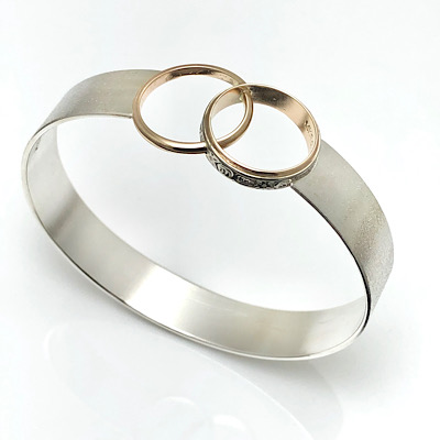Cool redesign rings idea, modern bracelet with reuse of old wedding rings