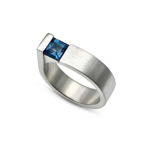 Square Edge Ring Blue Topaz sterling silver handmade by Mia van Beek