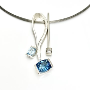 Blue gemstones together with Diamond, combination collection by Mia van Beek