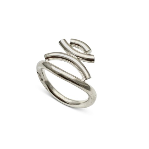 Kurvene stacked simplicity ring in sterling silver