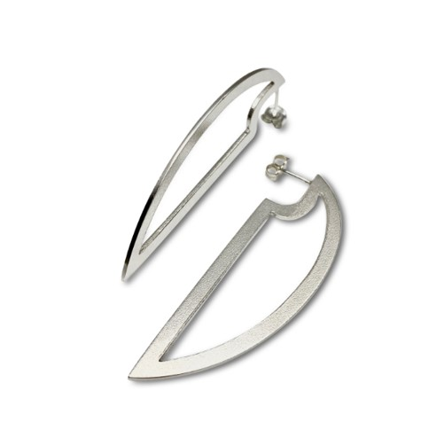 Outline cutting edge earrings, in the simplest shape of a half oval, silver earrings