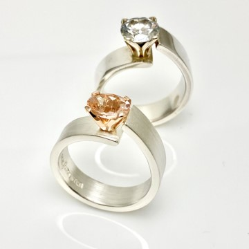 Unlined ring design excusivly made by Goldsmith Mia van Beek