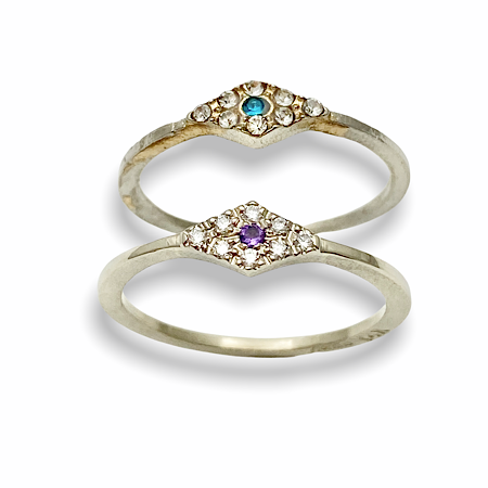 Fake ring replicated and upgraded in whitegold, diamonds and amethyst