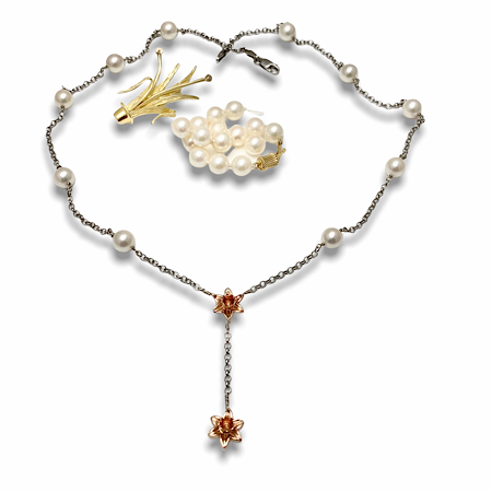 Rose gold Daffodils from brooch and pearls from old necklace turns into a NEW style necklace